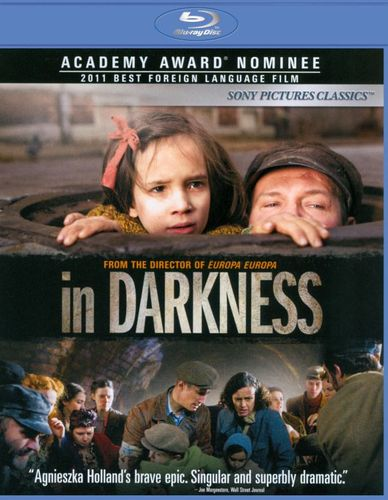 In Darkness [2 Discs] [Blu-ray/DVD] [2011] 20093361